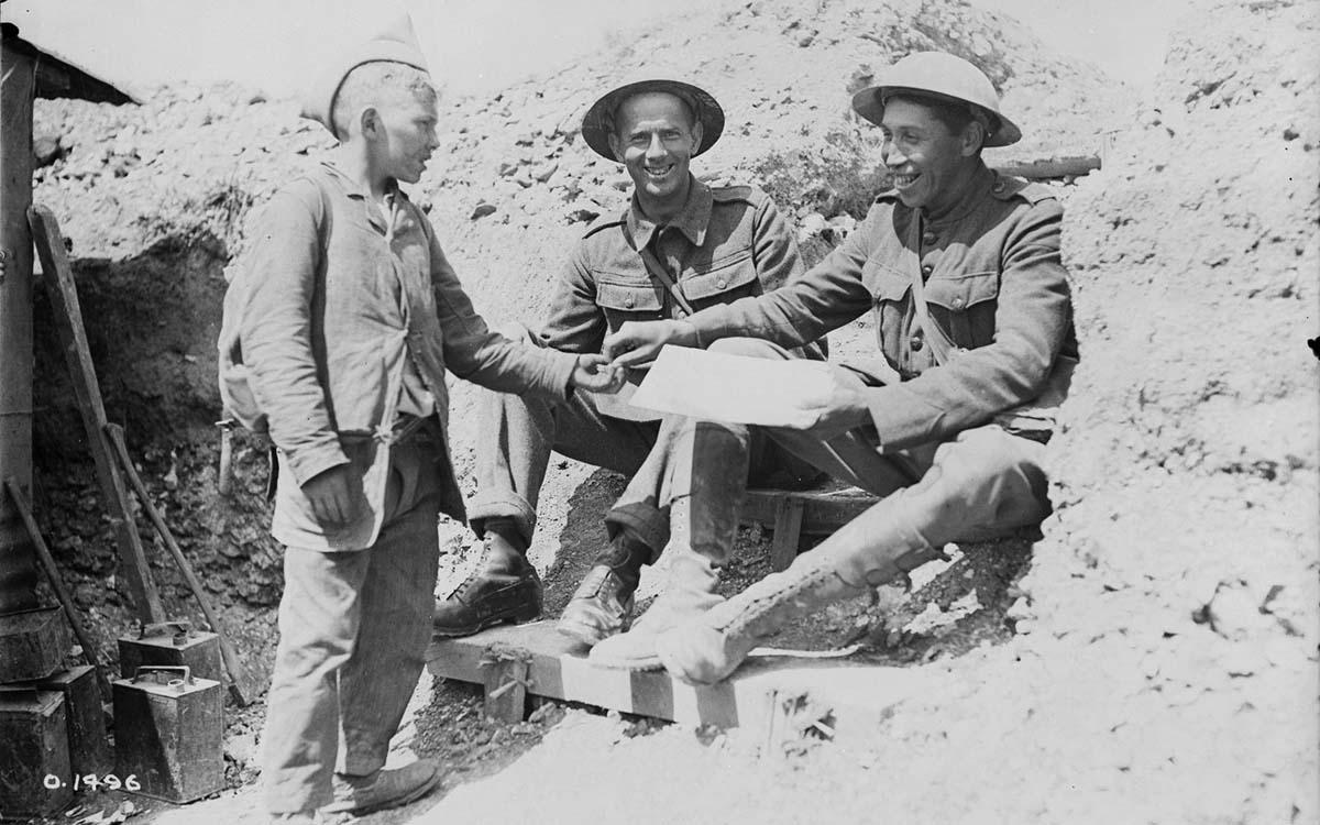 Des Amérindiens dans les tranchées 14-18 Ch02-diapo02-03